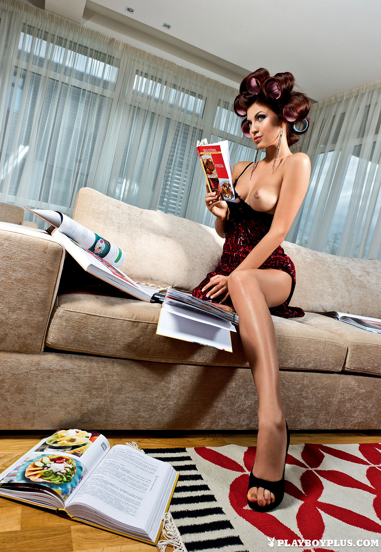 Девушка месяца Даша Петухова / Daria Petukhova - Playboy Russia november 2012 Playmate
