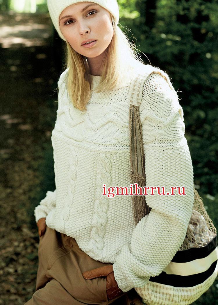 Белый пуловер с красивыми структурными узорами и поперечной кокеткой. Вязание спицами