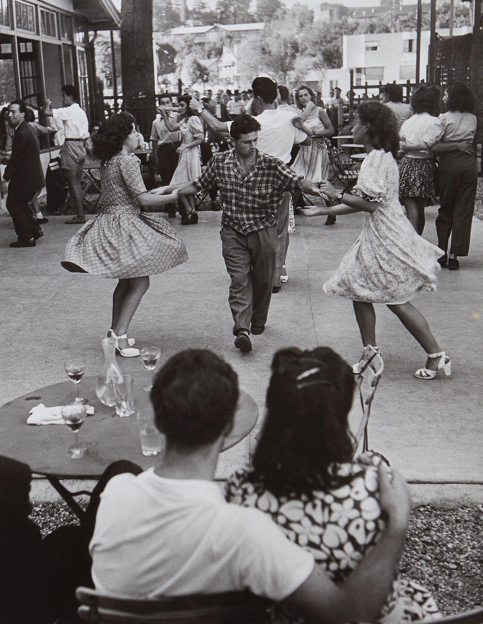 1947. В воскресенье в Ножан-сюр-Марн