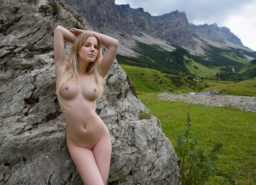 девушке картинка голий