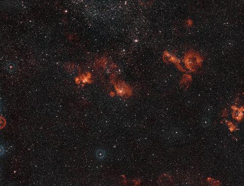 Два газовых облака — сотворенные звездным ветром