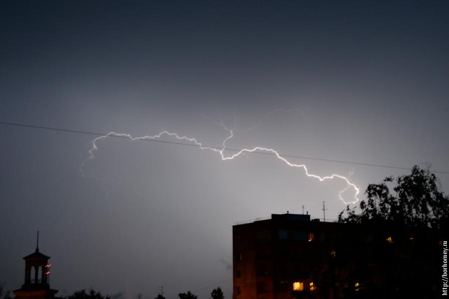 молния в небе фото