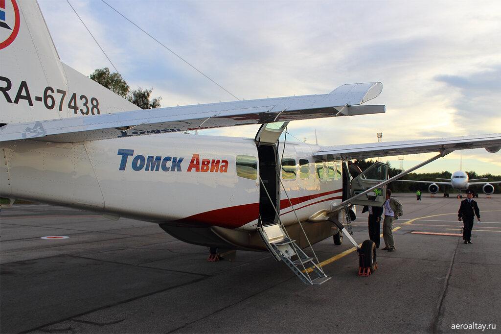 Сесна готовится выполнить рейс СП 510 из Барнаула в Новосибирск