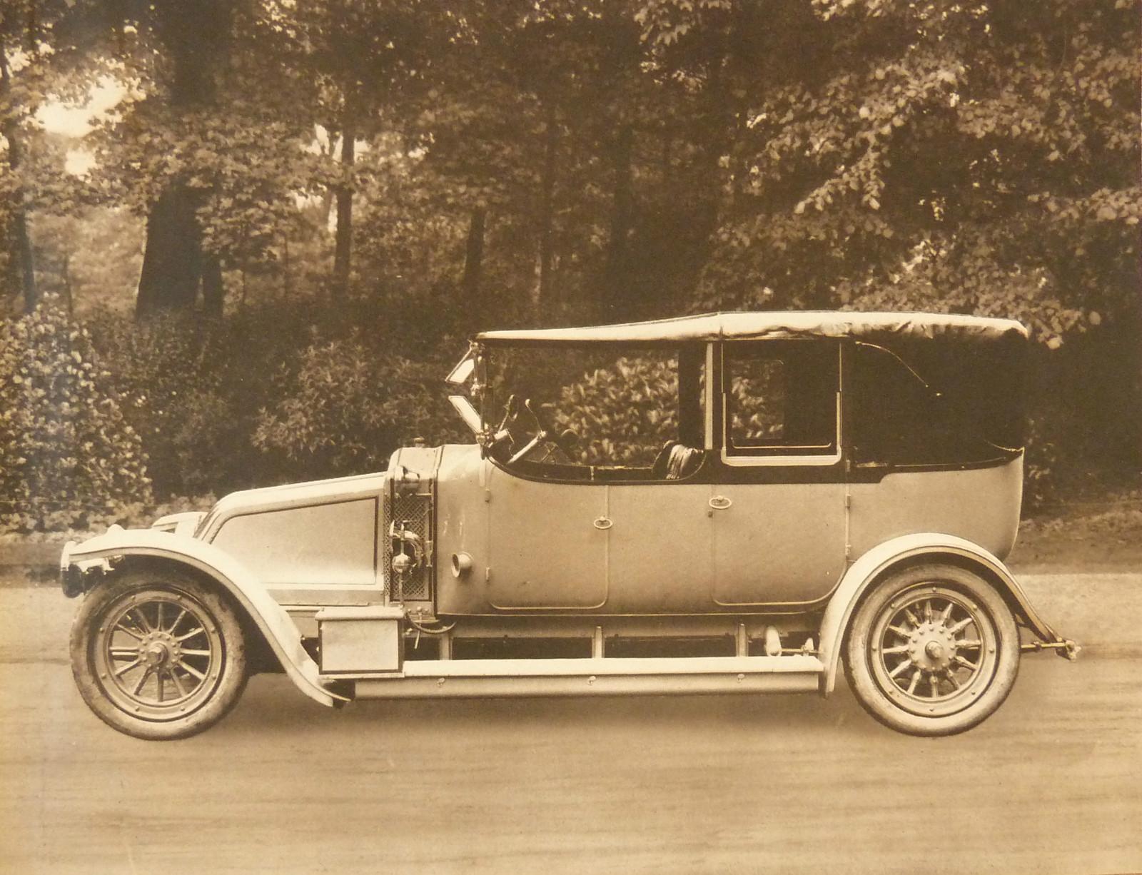Автомобиль французской компании Renault Луи Рено