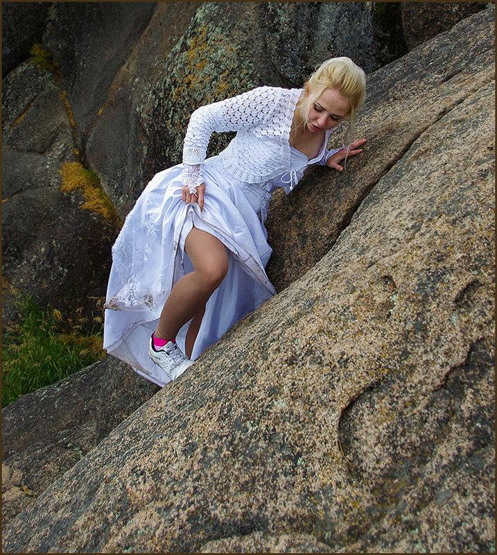И там, где чёрт сломает ногу, женщина на высоте!