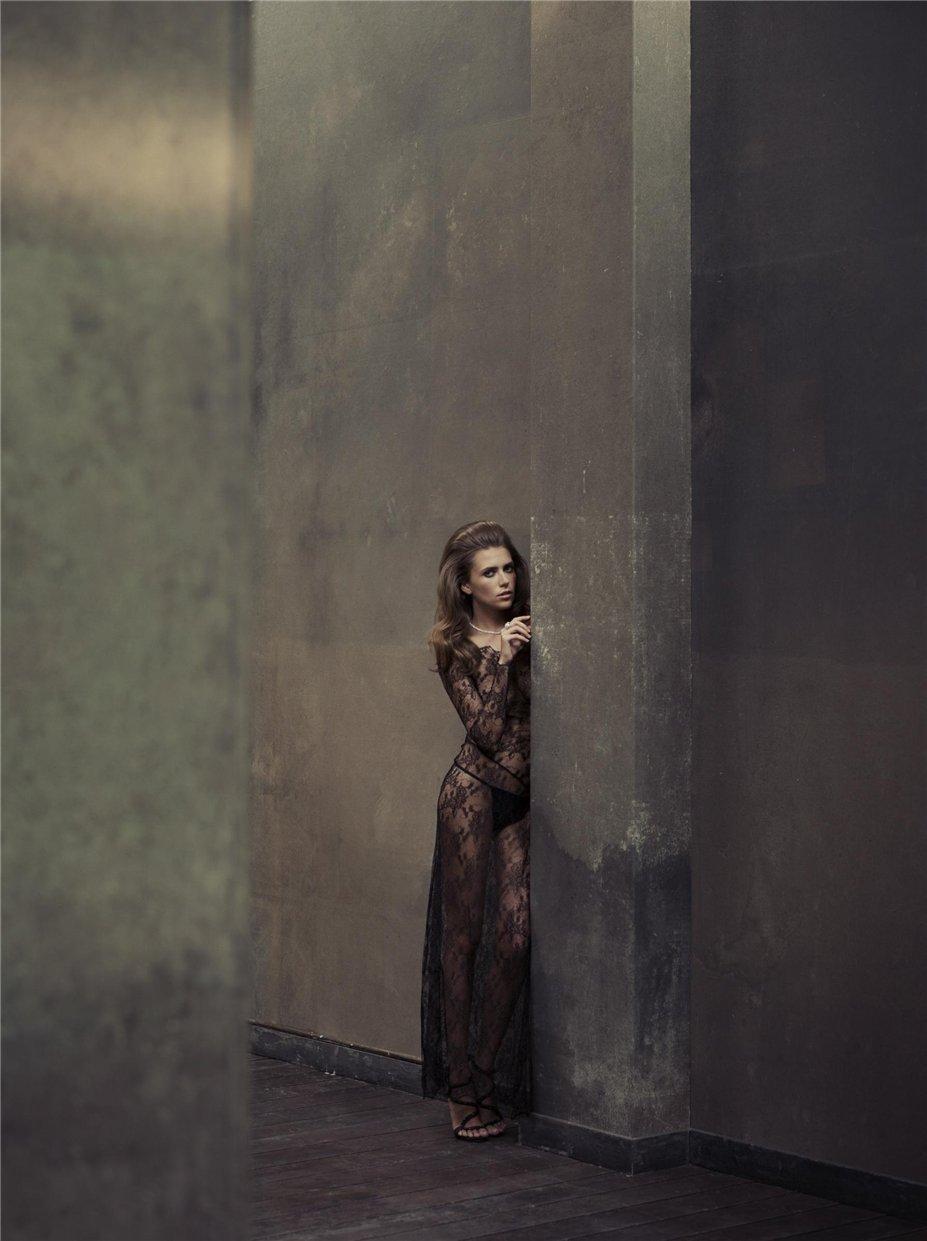 Abandoned / photo by Marc Lagrange