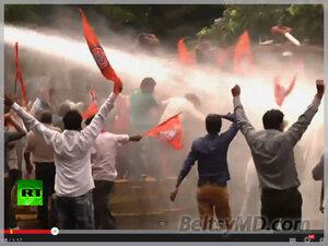 Столица Индии Нью-Дели — во власти беспорядков