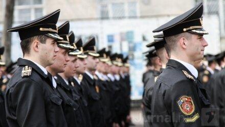 Зарплаты полицейским в Молдове — повысят в 2014-м