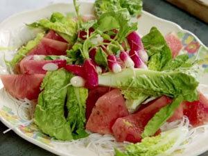 Как приготовить салат с арбузом