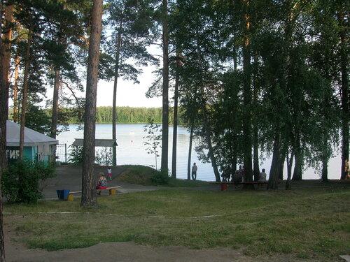 Озеро Еловое – чистое, с песчаными пляжами и «открыточными» пейзажами.  (07.08.2013)