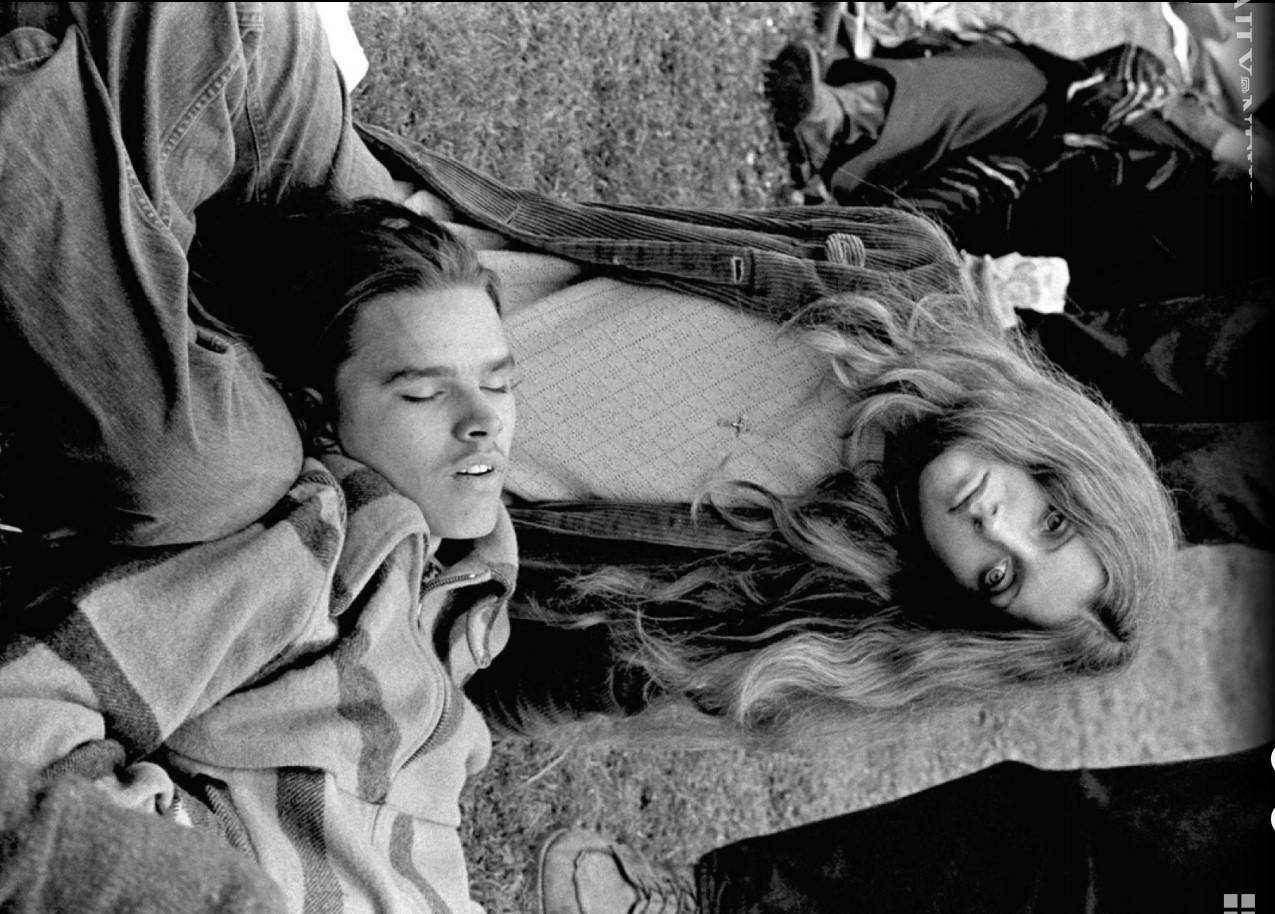 1969. Молодая пара во время антивоенного митинга 16 апреля 1969 года в Сан-Франциско
