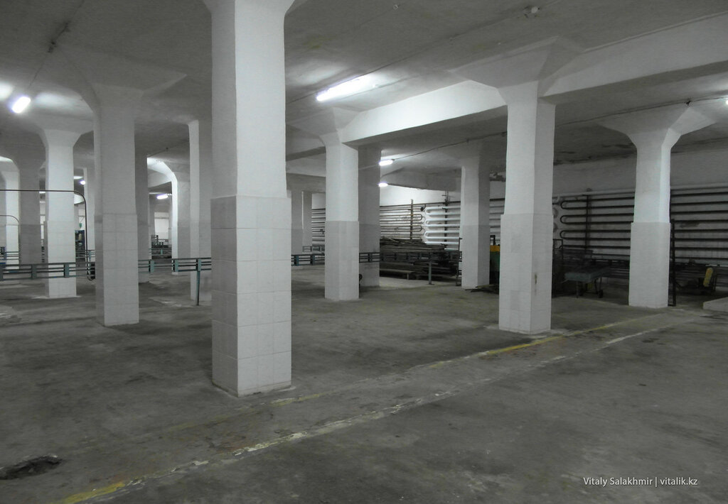 Пустой склад Бахуса на заводе