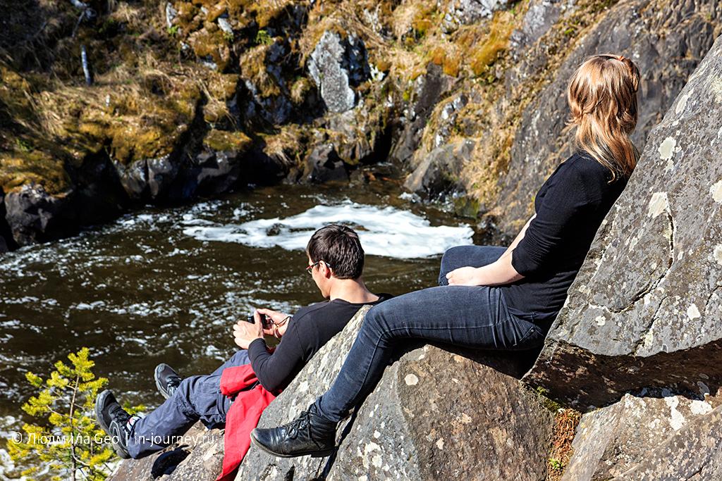 отдых на скале в заповеднике у водопада Кивач