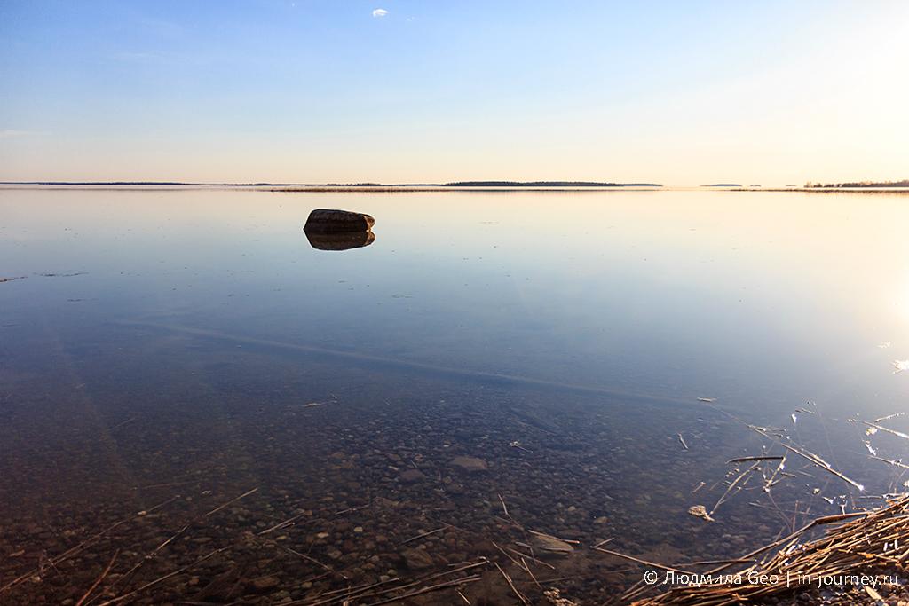 идеально ровная гладь Онежского озера