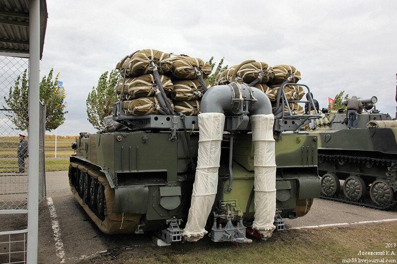 Некоторые машины были установлены на десантных платформах.