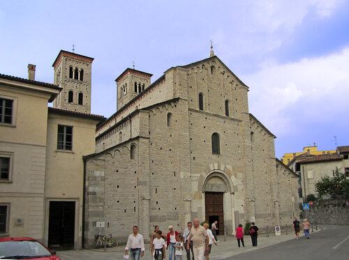 Sant Abbondio, Como
