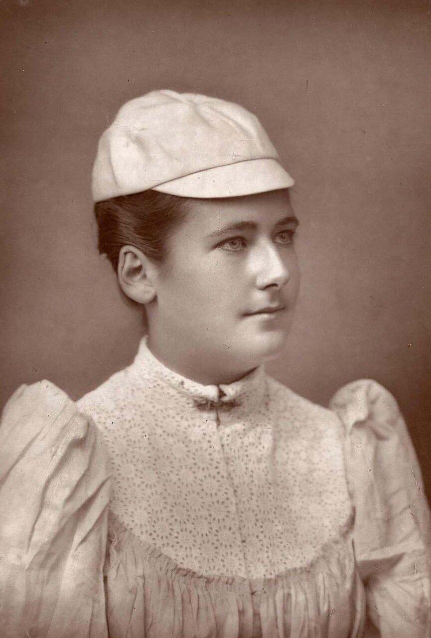 Мисс Дод. Шарлотта Дод. 1871-1960. Пятикратный чемпион Уимблдона. Она остается самым молодым чемпионом, завоевавшим свой первый титул  в возрасте 15 лет в 1887 году