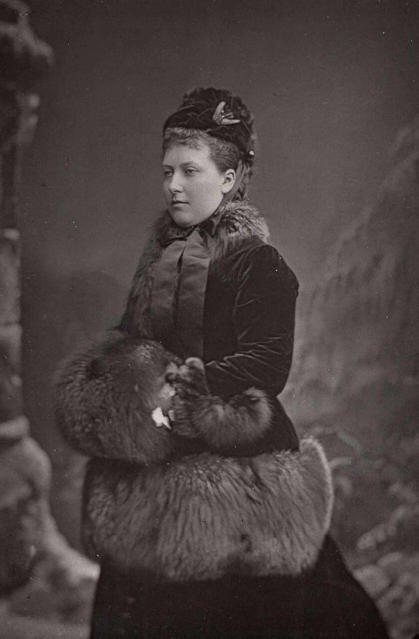 Принцесса Елена (1846-1923), в браке принцесса Шлезвиг-Гольштейн. Была третьей дочерью и пятым ребенком в семье Виктории и Альберта