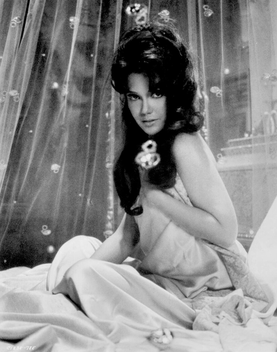 1965. Мэри Энн Мобли