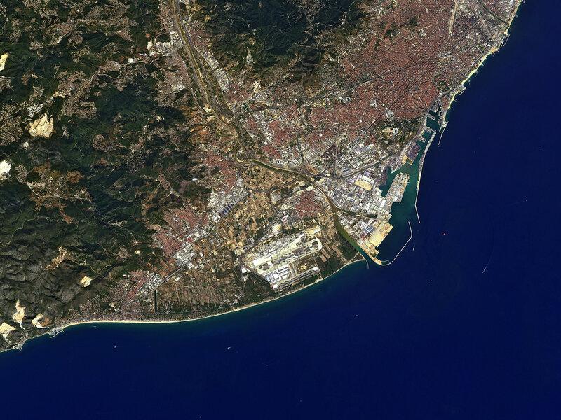 Барселона от японского спутника ALOS