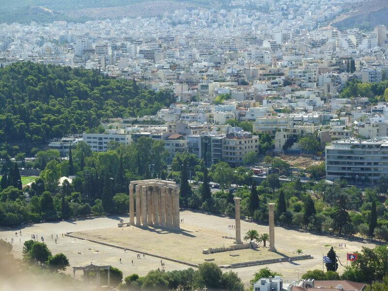 Вид с Акрополя на Храм Зевса Олимпийского