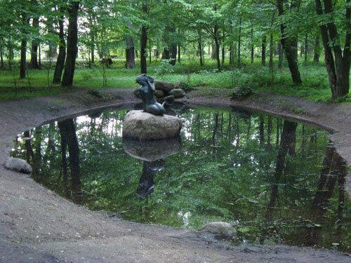 Отдых в Беларуссии: В старом парке Несвижского замка