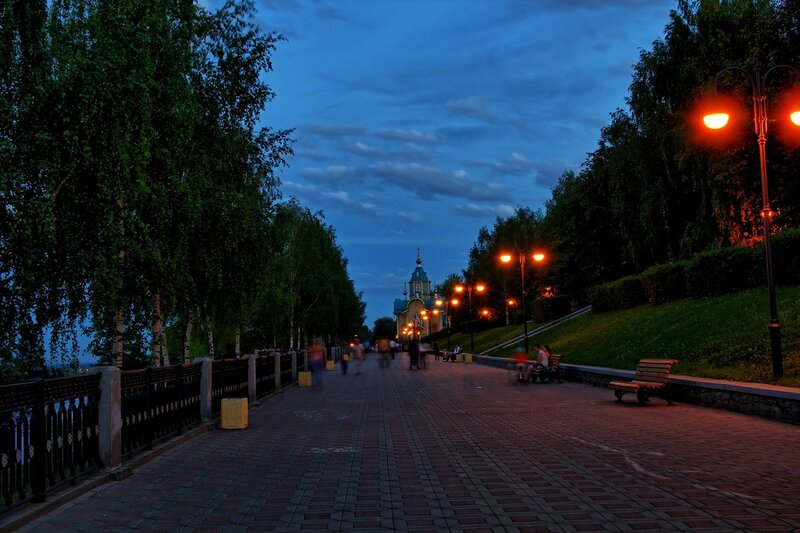 Набережная Грина в вечернем освещении