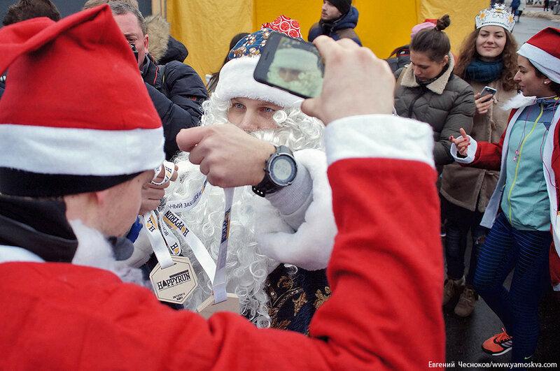 Зима. ВДНХ. Забег Дедов Морозов. 20.12.15.13..jpg
