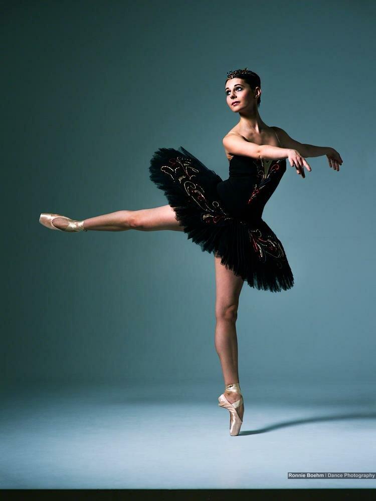 частное фото балерины рычал, матерился