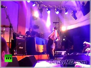 Bloodhound Gang — снова осквернили флаг, уже Украины