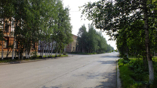 Фото города Инта №5250  Северо-западный угол Лунина 6 (бывшее ПАТП) 25.07.2013_13:18