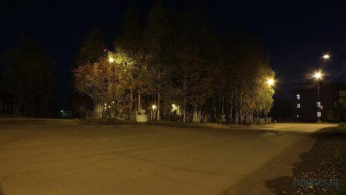 Фотография Инты №5934  Северо-восточный угол театрального сквера (аллея