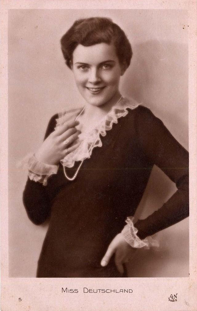 8. Мисс Германия Дорит Нитиковски (29 апреля 1911 в Берлин-Friedenau — до 2000).