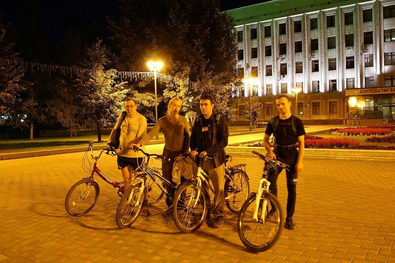 Команда ночных велосипедистов