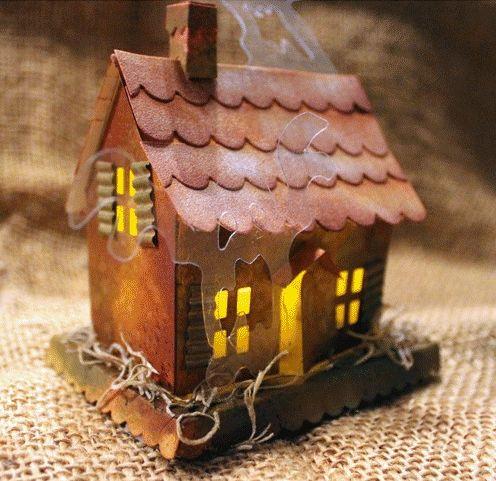 Бумажный домик с приведениями