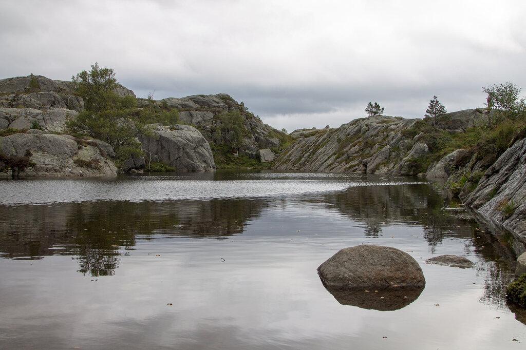 Горное озеро, Прекестулен