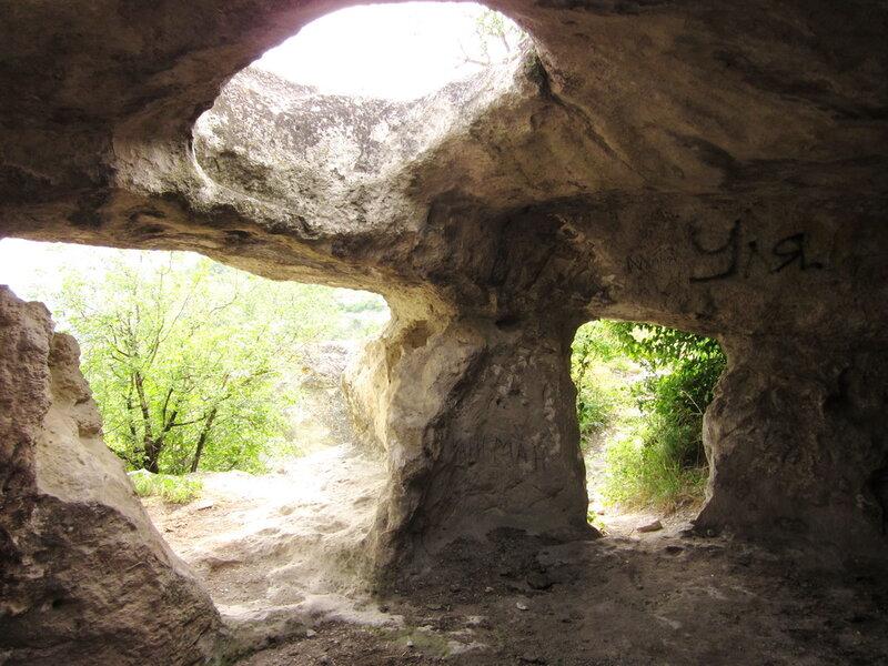 Пещеры Баклы