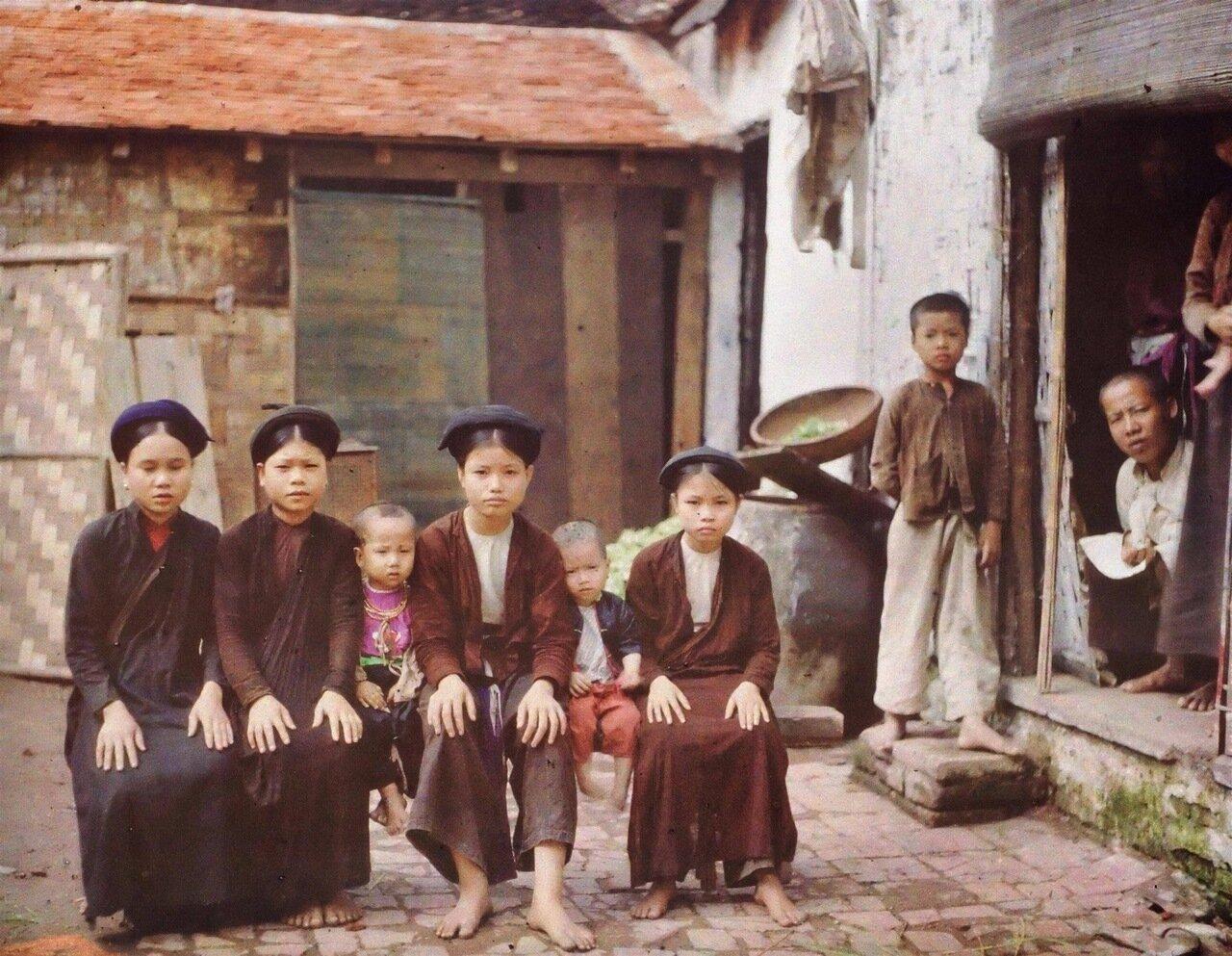 Зажиточная семья во французском Индокитае. 1915