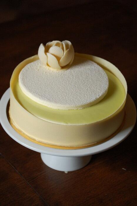 торт Клубника-фисташки