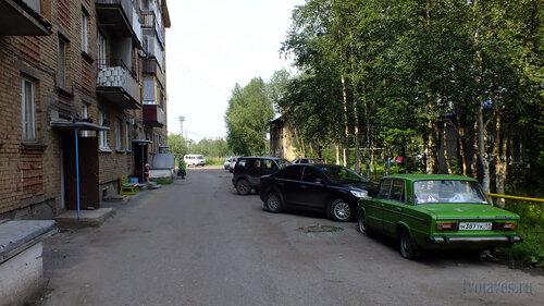 Фото города Инта №5286  Восточная сторона (двор) Заводской 4 25.07.2013_13:42