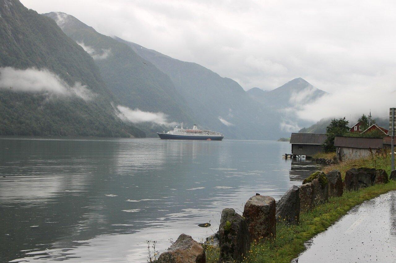 Круизный лайнер Марко Поло в Согнефьорде