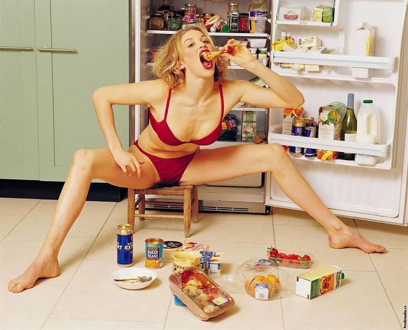Жри: вредные пищевые привычки россиян, которые бесят (7 фото)