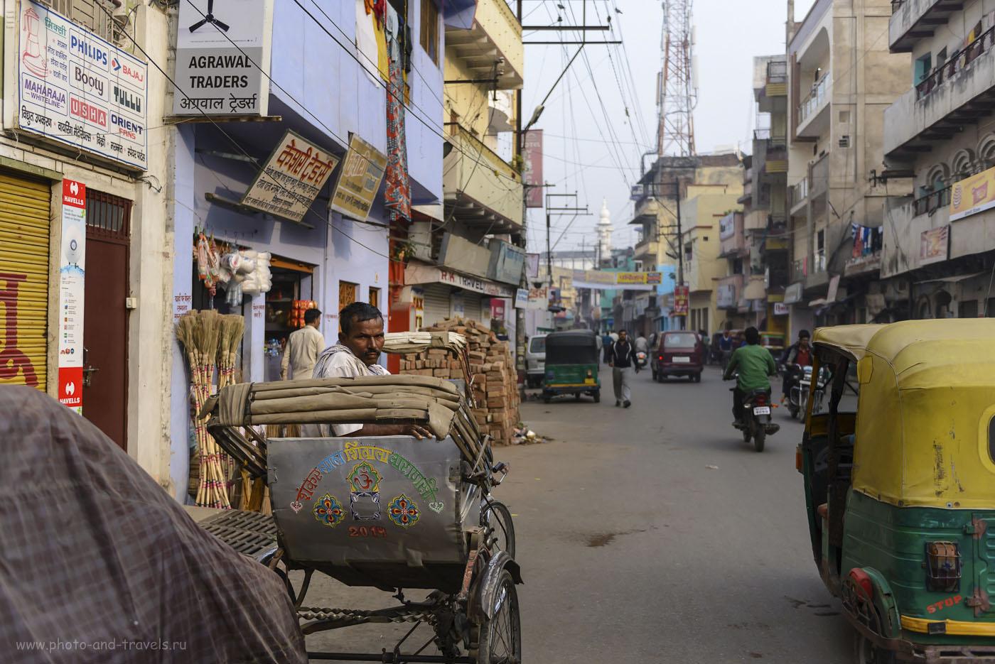 Фотография 9. Трудной пройти по Бенаресу, оставаясь незаметным для местных рикш. Путешествие по Индии дикарями. 1/1600, -0.33, 2.8, 250, 36.