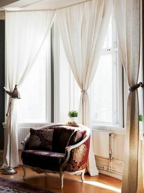 Bay window bathroom