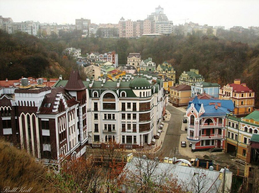 Элитный город–призрак в центре Киева