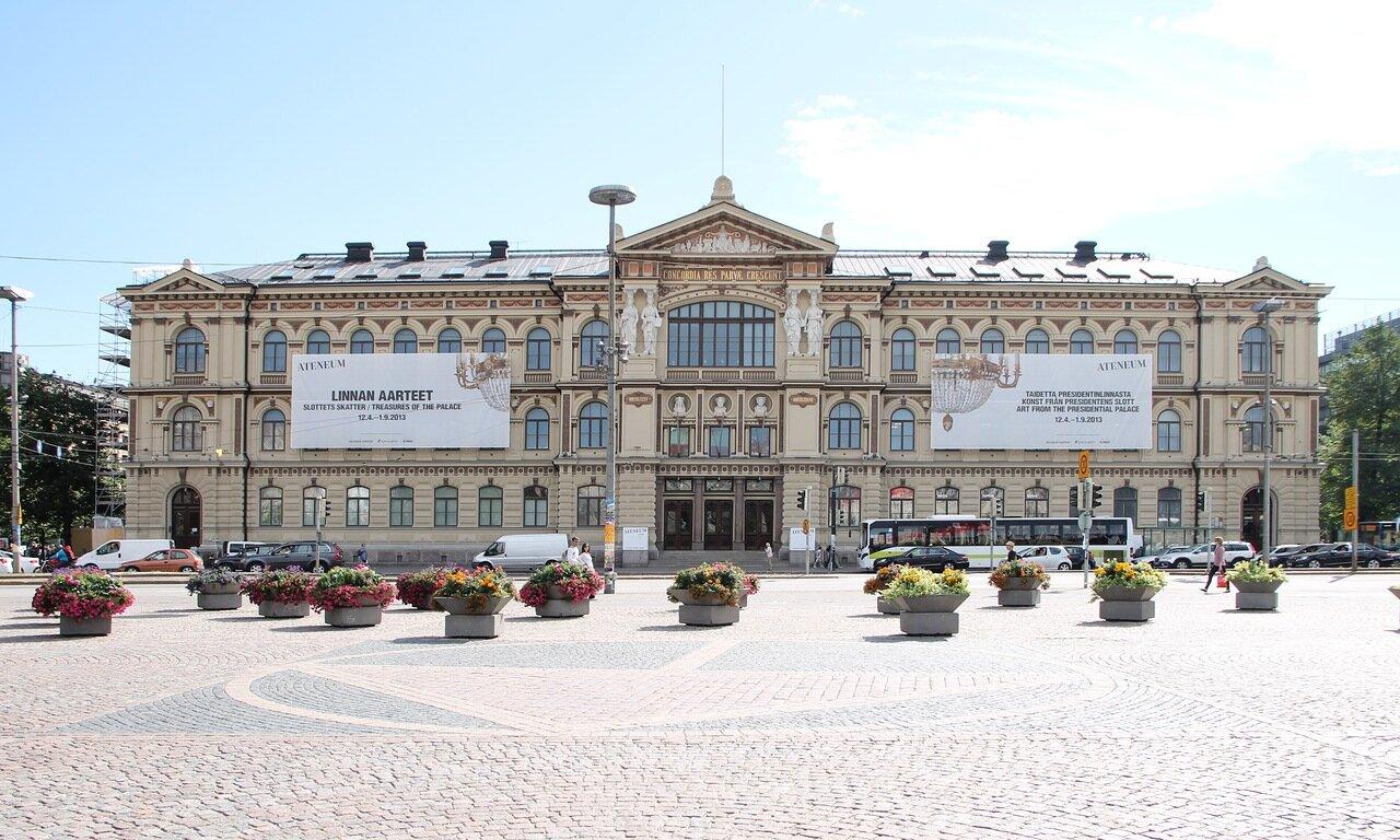Helsinki, Ateneum Museum, Rautatientori,Railway Square,Järnvägstorget. Хельсинки, привокзальная площадь, музей Атенеум.