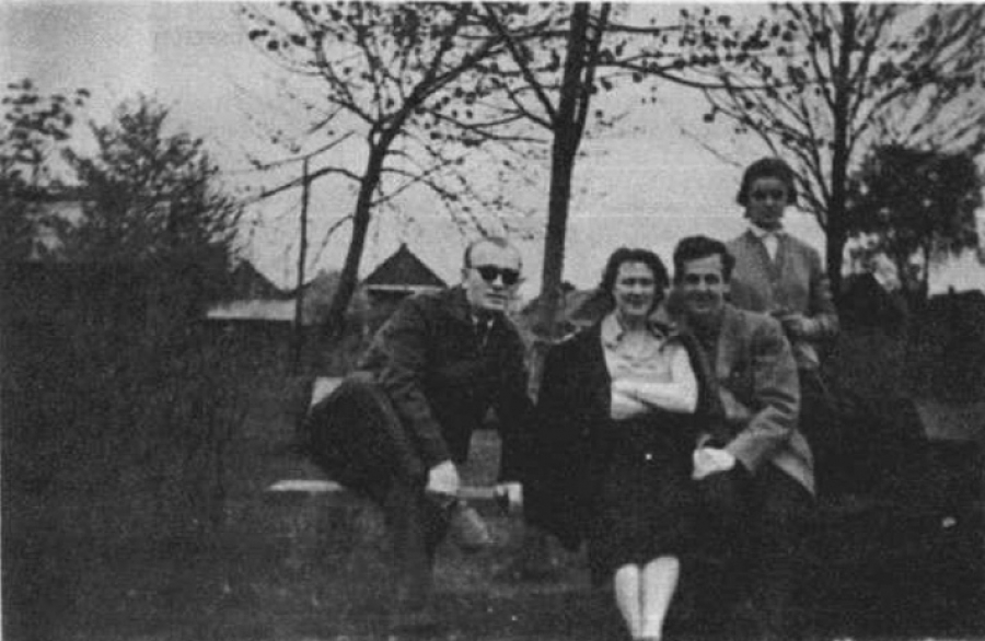 Сразу после прибытия Освальд заявил о своем желании получить советское гражданство, но 21 октября ег