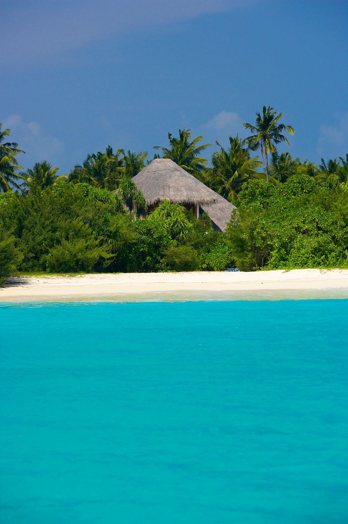 Island Hideaway at Dhonakulhi Maldives Spa Resort & Marina, Island Hideaway, отель на Мальдивах, отель для молодоженов, лучшие отели мира