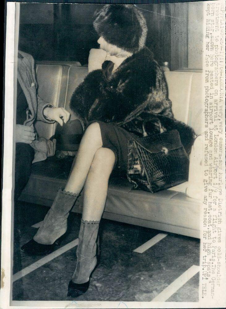 1964. Марлен Дитрих в Лондонском аэропорту