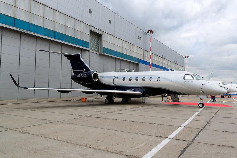 Embraer EMB-550 Legacy 500 (N895EE) Embraer D800823a